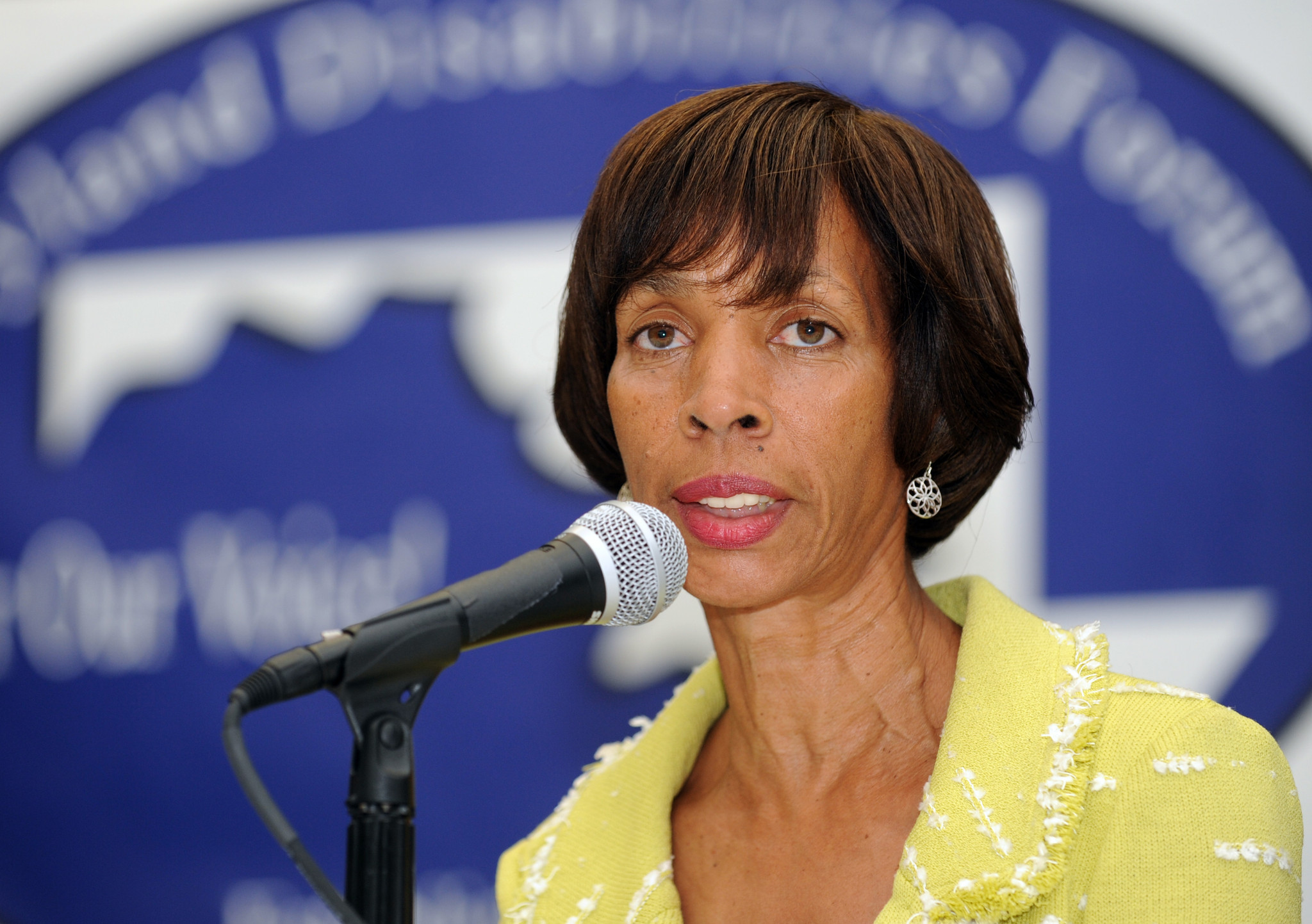 http://www.trbimg.com/img-56c20f98/turbine/bal-pugh-releases-education-plan-calls-for-mayoral-control-of-baltimore-schools-20160215