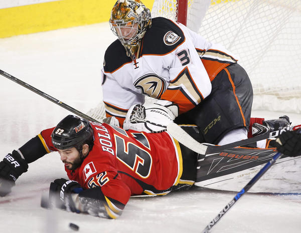 Anaheim Ducks Continue Surge With 6-4 Victory Over Calgary Flames