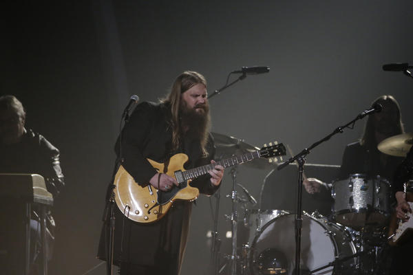 Chris Stapleton performs during the Grammys. (Robert Gauthier / Los Angeles Times)
