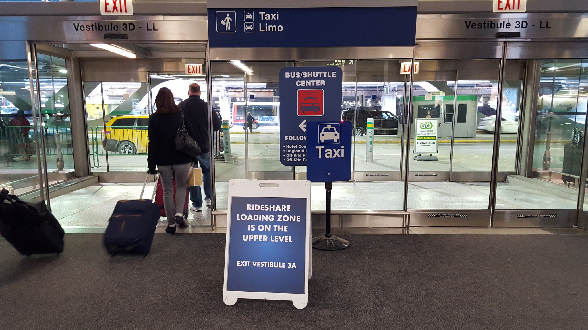 Get A Car With Uber >> Rideshare companies receive steady business at Chicago airports - RedEye Chicago