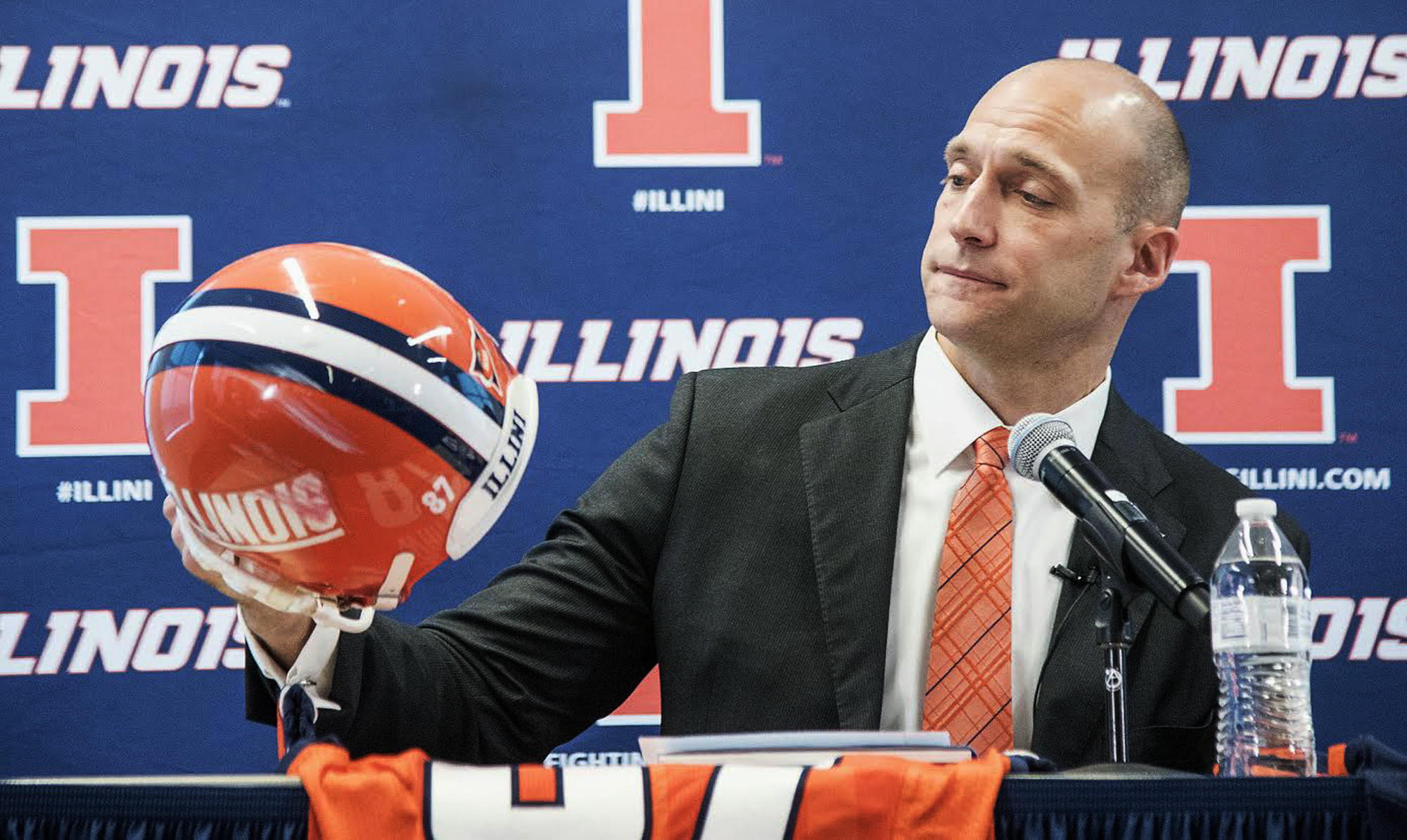illinois new athletic director we re coming home chicago tribune