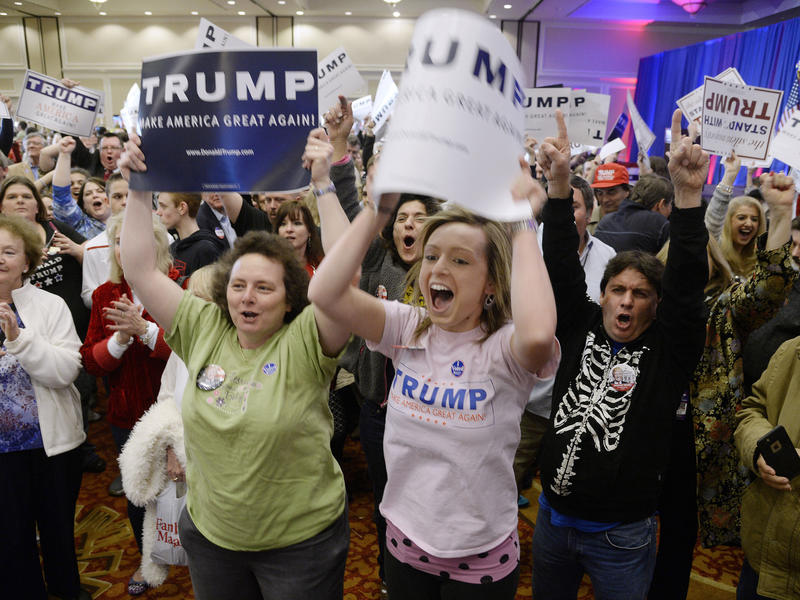 Donald Trump supporters celebrate in Spartanburg, S.C. (Olivier Douliery / Tribune News Service)