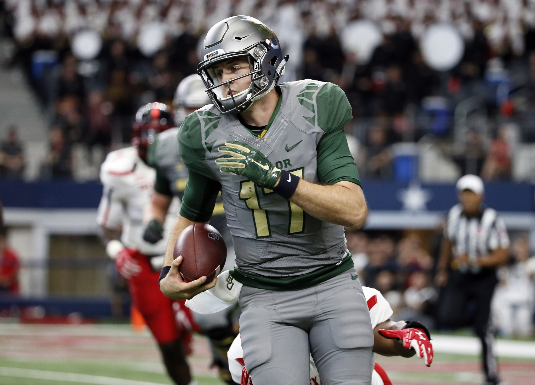 college football baylor seth russell broke bone neck