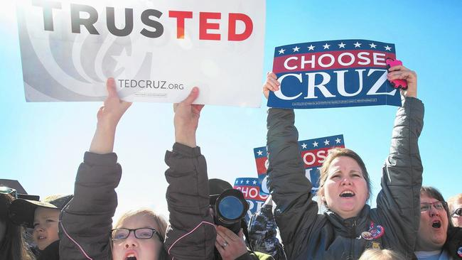 Supporters of Republican presidential candidate Ted Cruz rally in Atlanta. (Scott Olson / Getty Images)