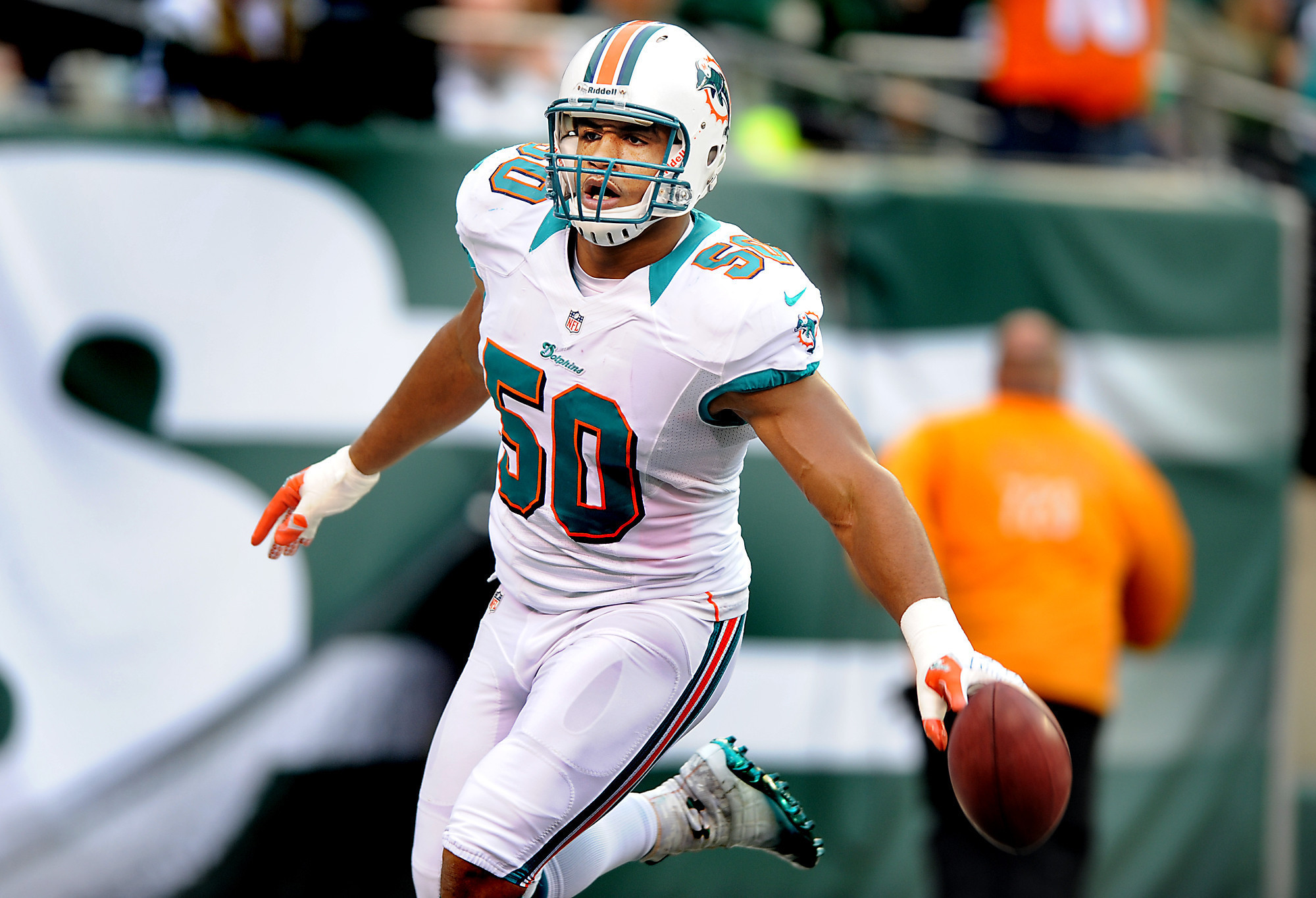 Using the franchise tag on Olivier Vernon es at too steep a