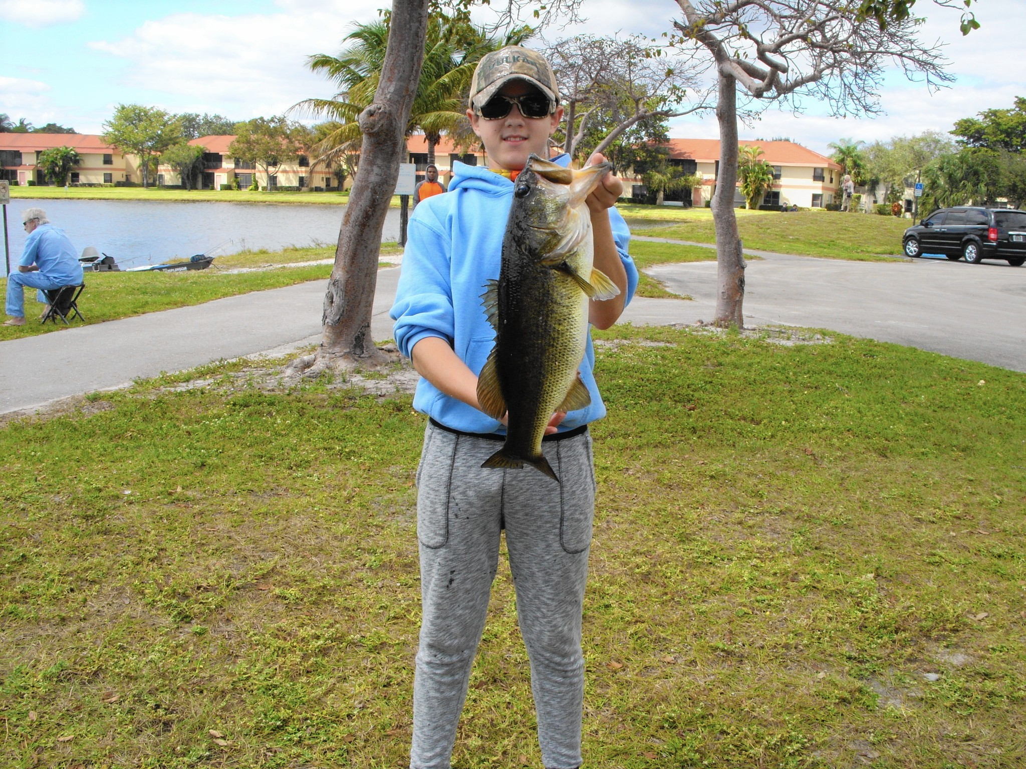 Bass biting in local parks sun sentinel for Local fishing forecast