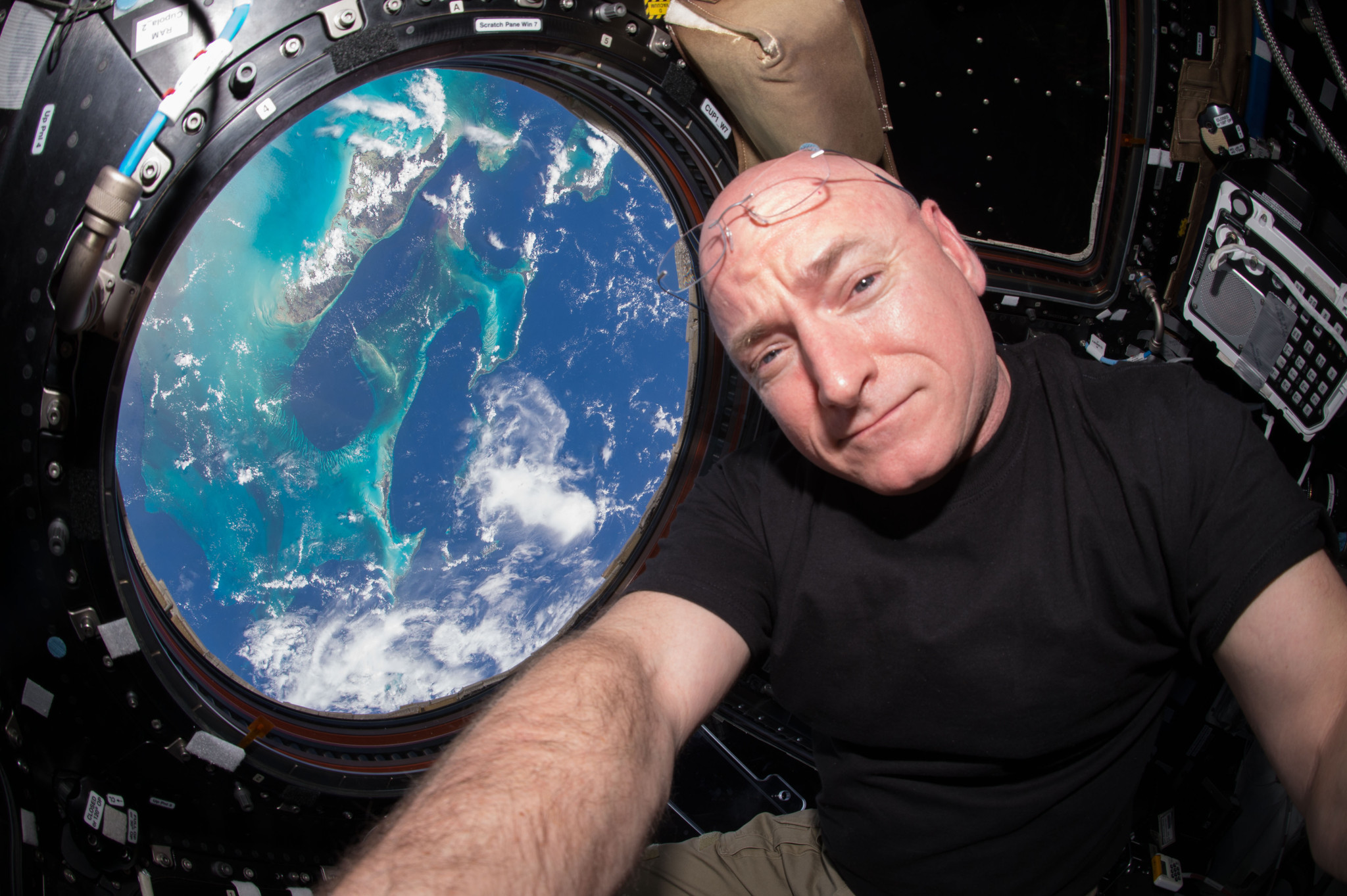 Astronaut scott kelly s photos from the international space station la times