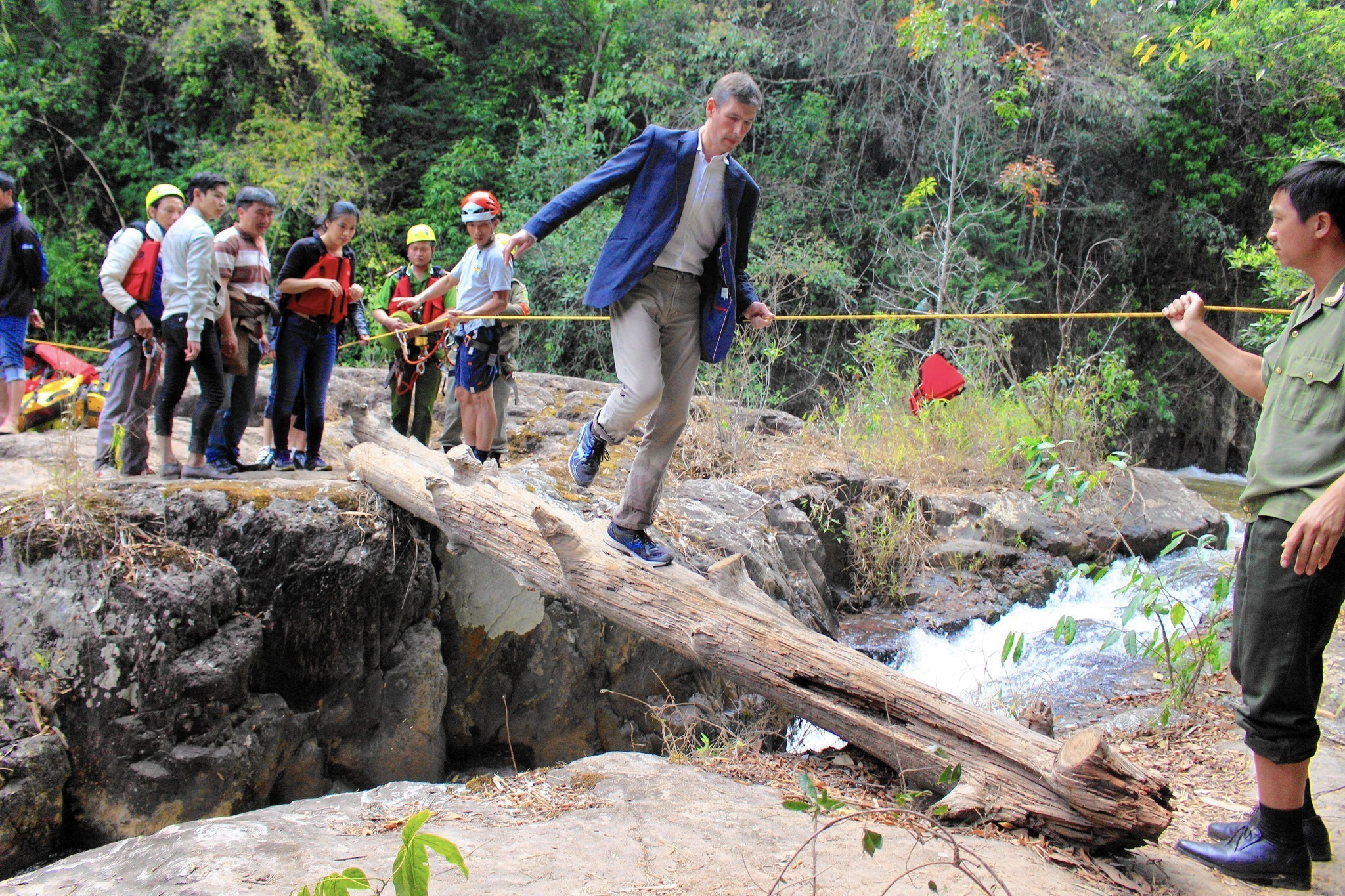 Deaths of British tourists prompt closure of Vietnam waterfall