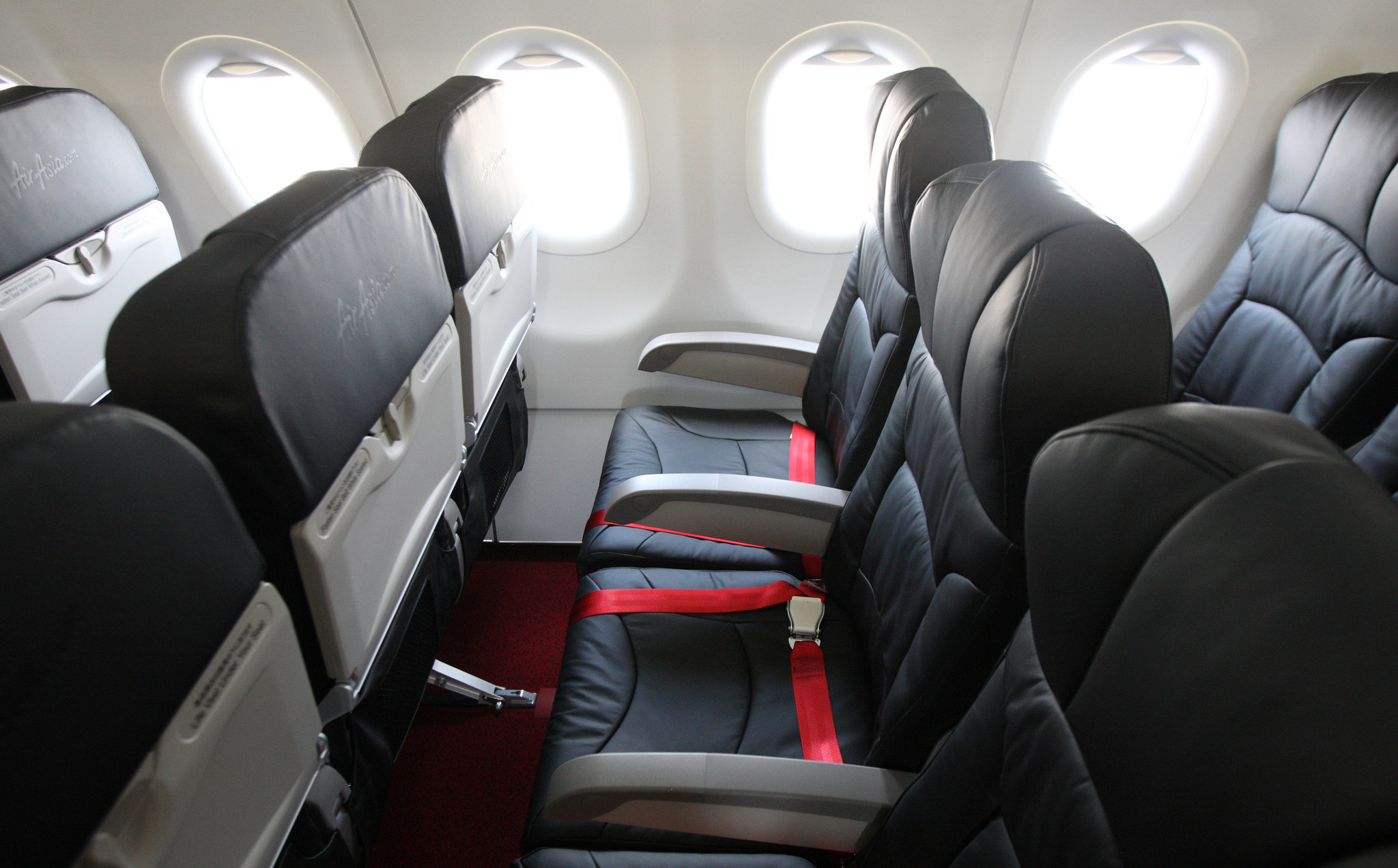 Want more legroom on your flight? Pay for it. - Chicago Tribune
