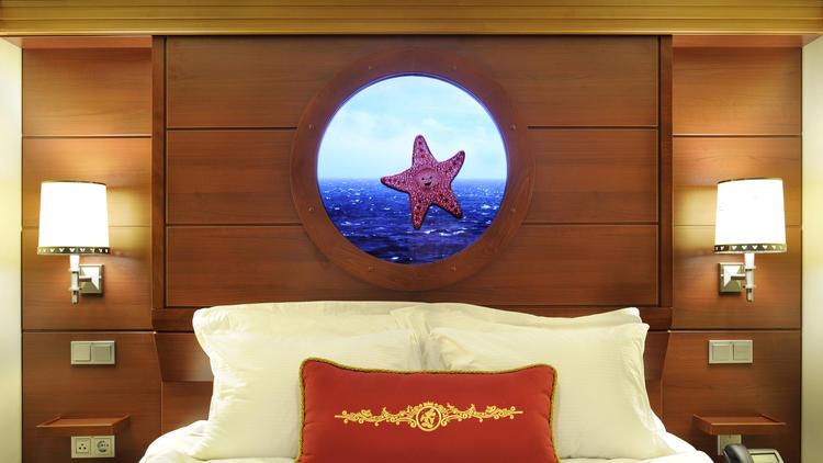 (Disney Cruise Line)