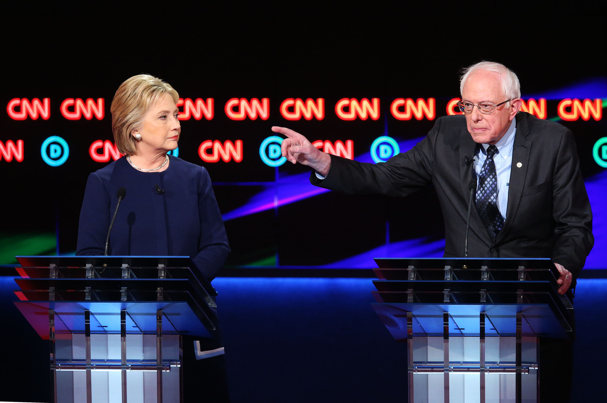 an analysis of the democratic debate between bernie sanders and hilary clinton on water contaminatio Tuesday's debate between the democratic presidential candidates, including hillary clinton and bernie sanders how to watch the democratic debate online for free.
