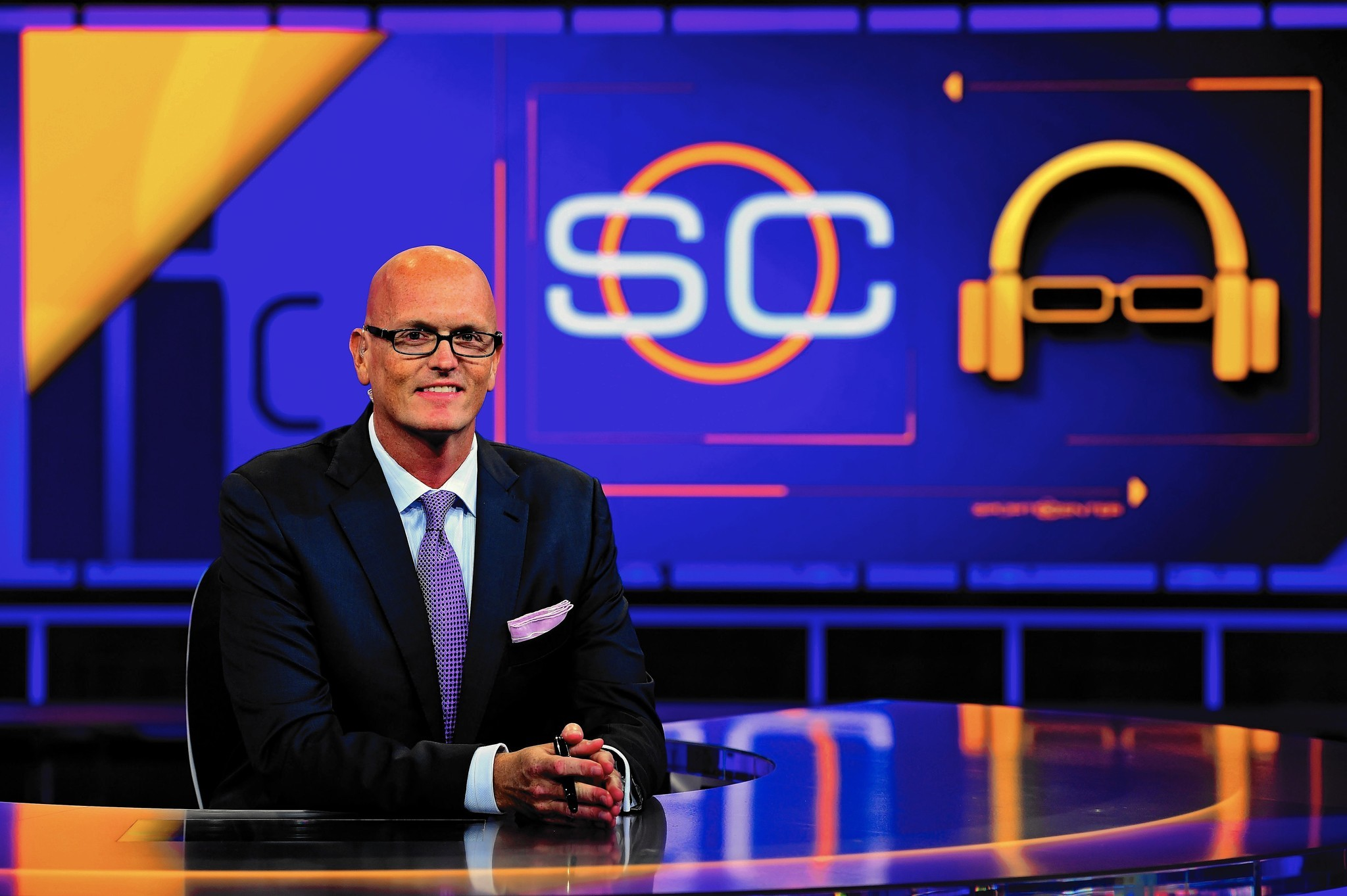Espn Aims To Revitalize Sportscenter With Late Night