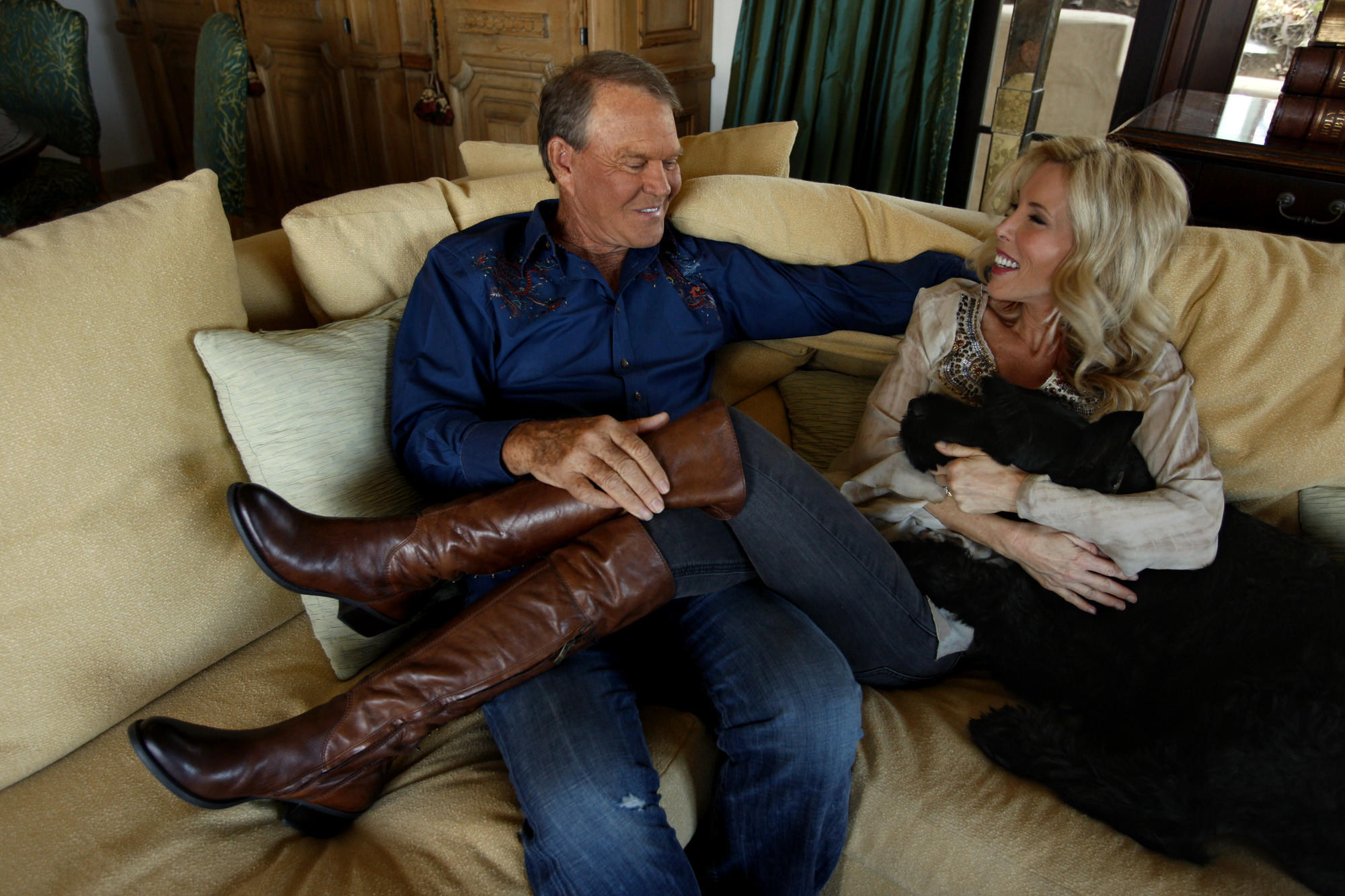 Glen and Kim Campbell photographed during an interview with The Times at their Malibu home on July 27, 2011. (Genaro Molina / Los Angeles Times)