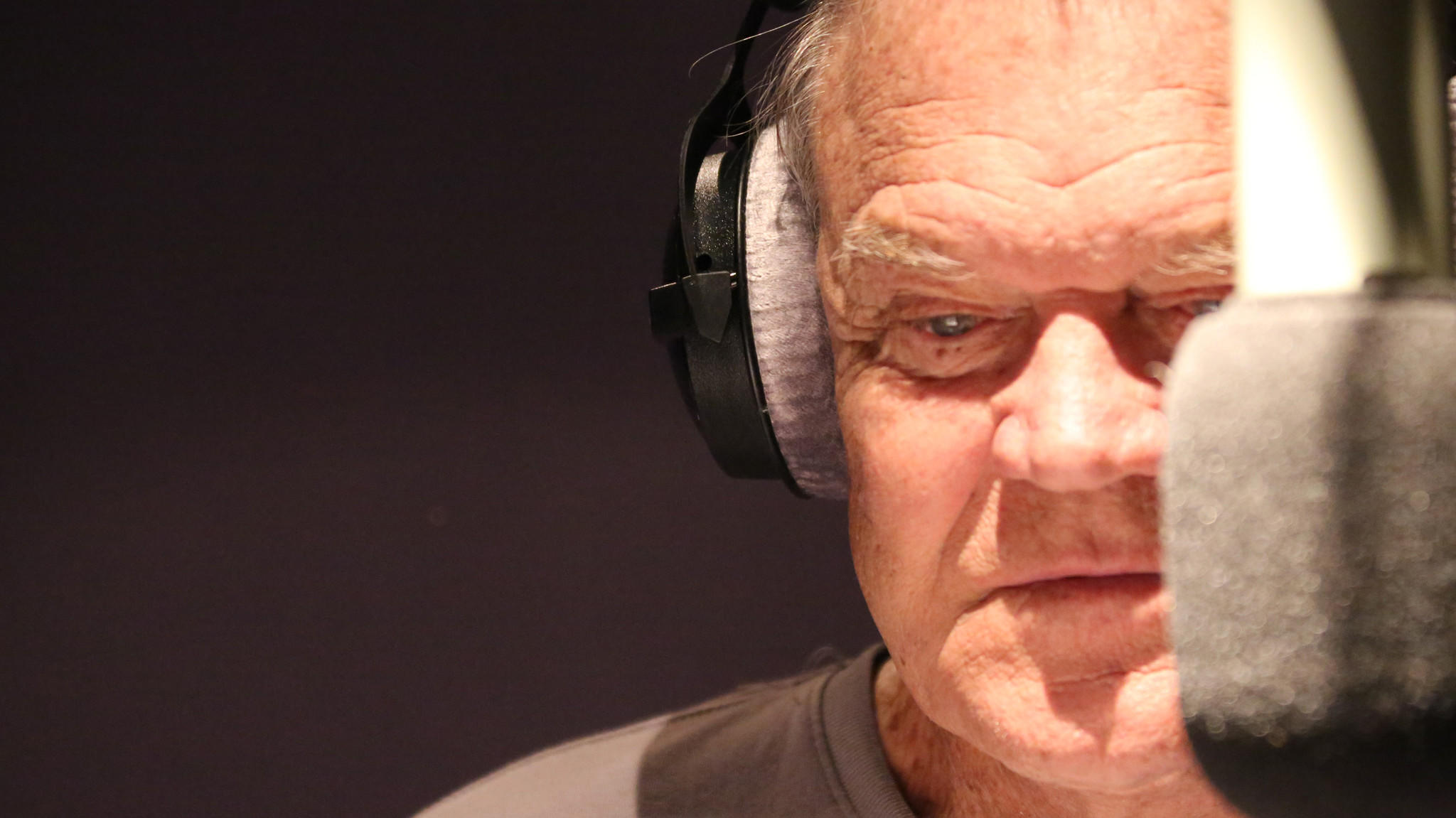 Watch Glen Campbell Cover The Foo Fighters, U2, Green Day & Velvet Underground