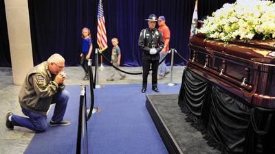 Nancy Reagan admirers trek to presidential library in Simi Valley to pay their final respects