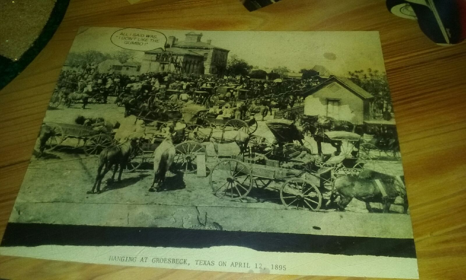 Diners upset Joe's Crab Shack decor features photo of 1895 hanging
