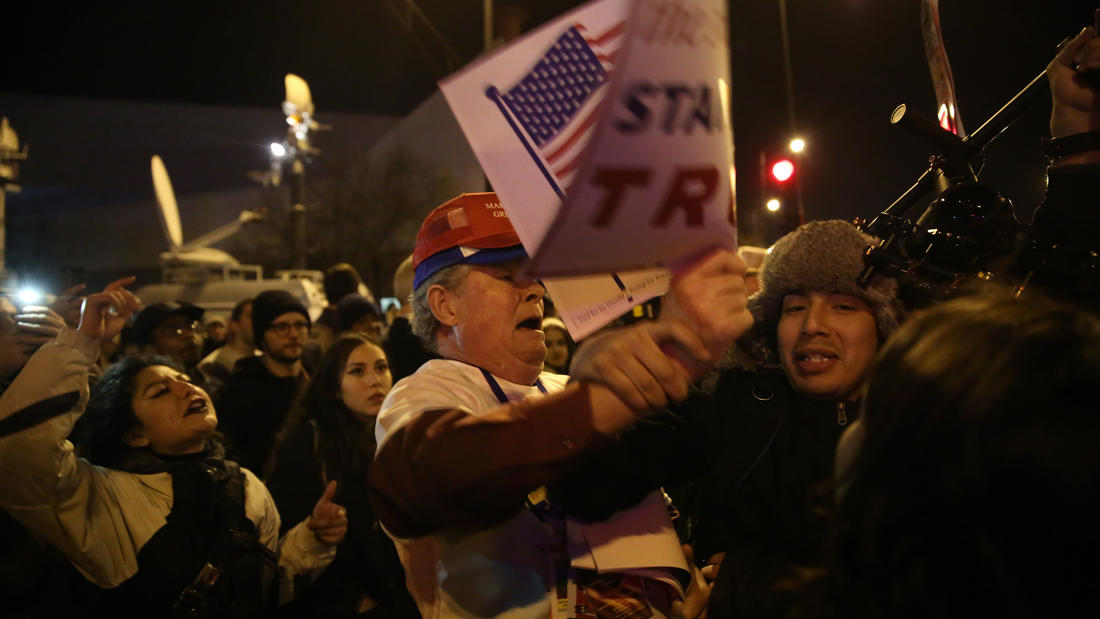 The chaos outside Donald Trump's canceled rally in Chicago on Friday. (E. Jason Wambsgans / Chicago Tribune)