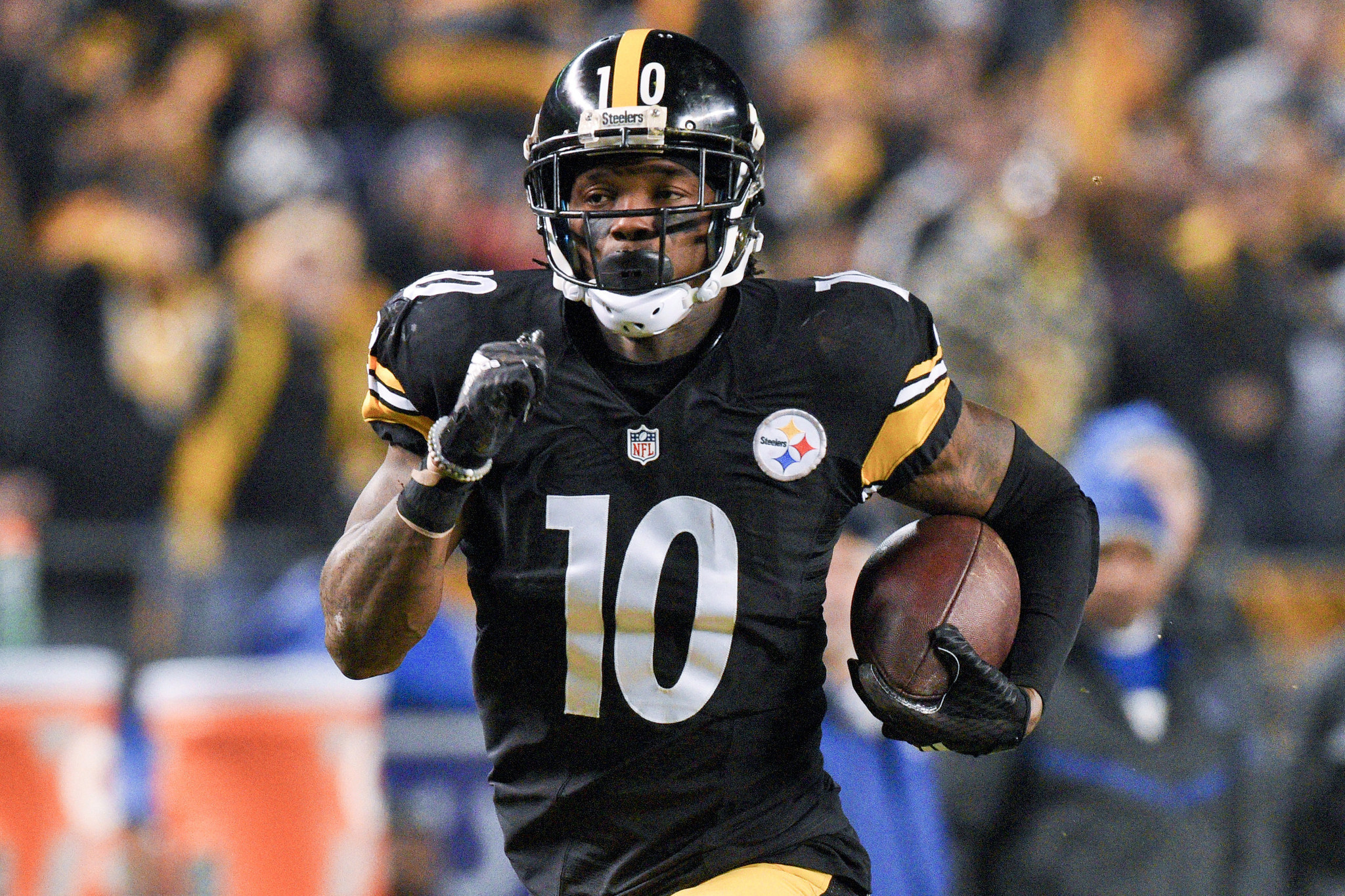Steelers receiver Martavis Bryant is suspended for at least a year