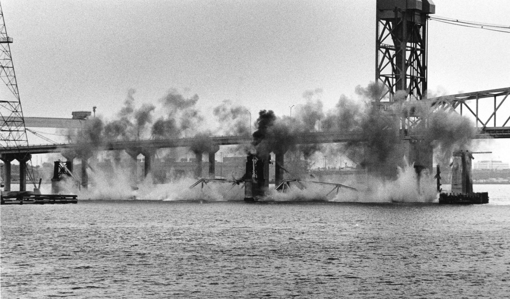 Replacing the old james river bridge daily press for James river fishing report