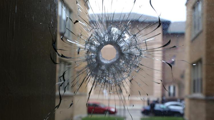 3 police officers shot, suspect killed on West Side