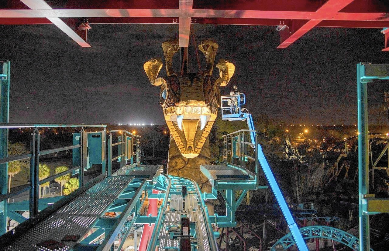 Busch Gardens New Roller Coaster Has Twists Turns And Live Snakes Orlando Sentinel