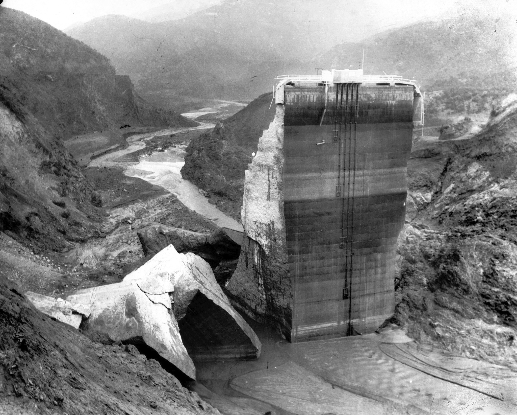 St. Francis Dam collapse left a trail of death and ...