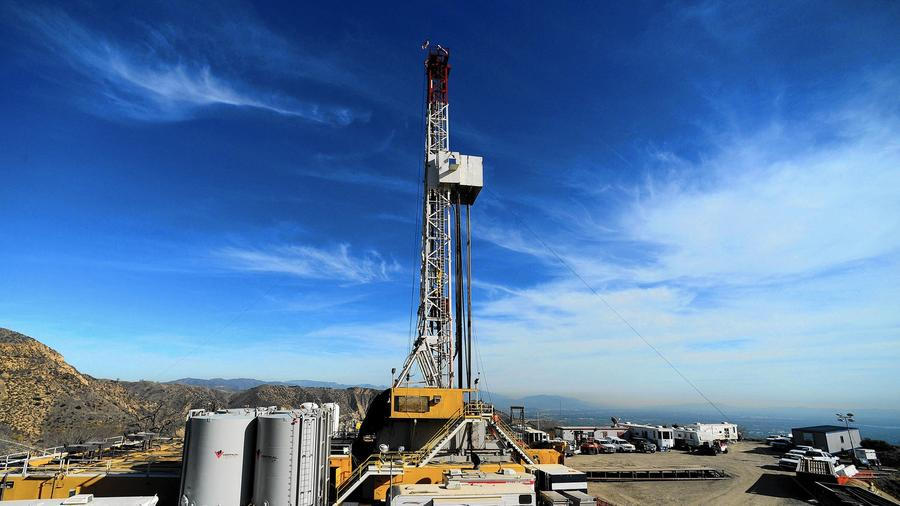 Crews work in December 2015 on stopping the gas leak at the Aliso Canyon facility near Porter Ranch. (Dean Musgrove / Associated Press)