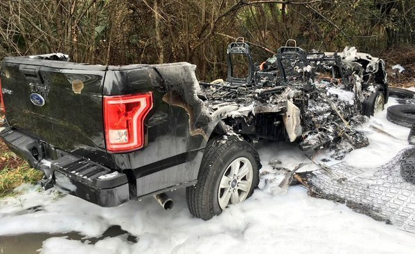 truck burns in weston sun sentinel. Black Bedroom Furniture Sets. Home Design Ideas