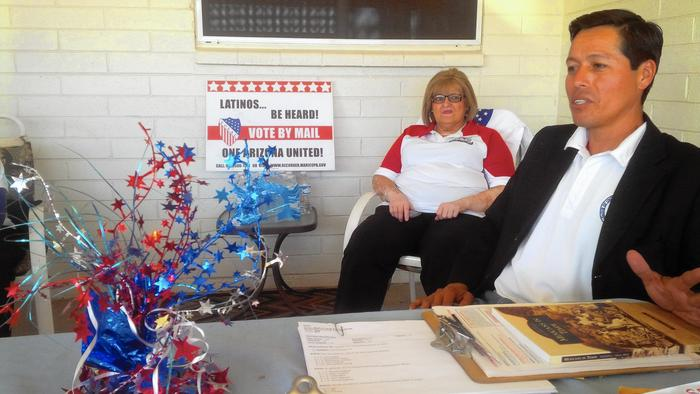 Volunteers Ana Valenzuela Estrada and Richard Estrada, no relation, in Glendale, Ariz., belong to one of several groups aiming to register 3 million new Latino voters across the nation by November. (Seema Mehta / Los Angeles Times)