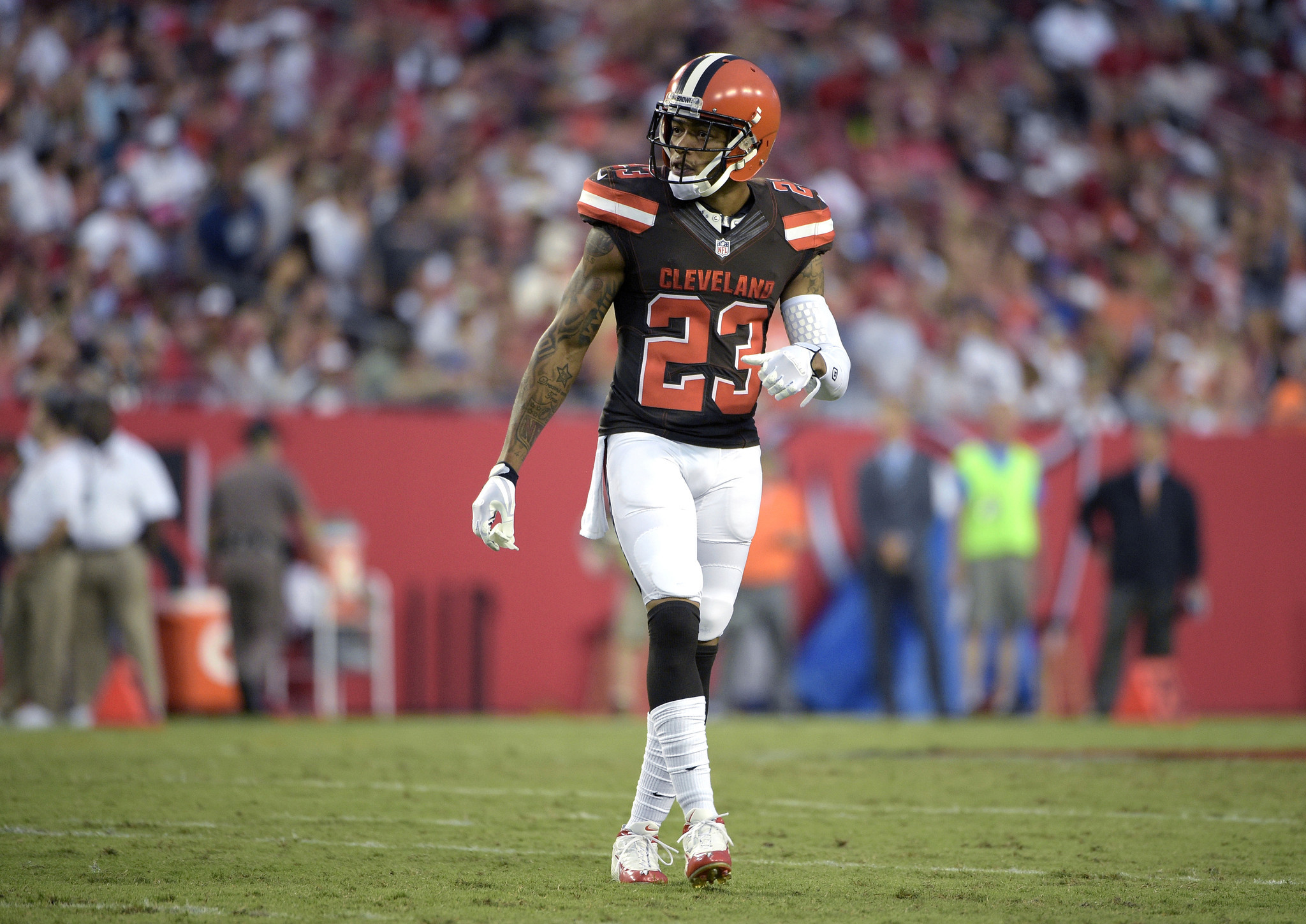 NFL defensive back Joe Haden s a $4 3 million home in the L A