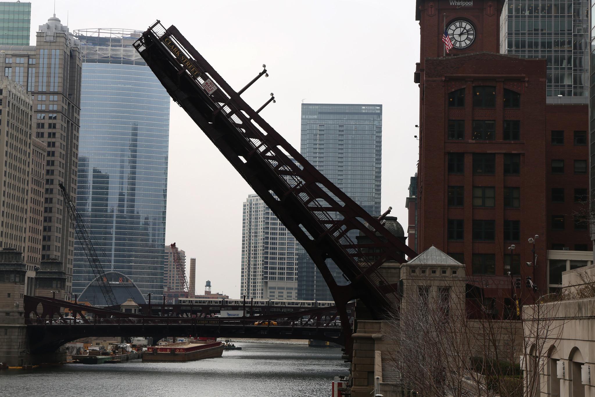 chicago backlight bridge - photo #1