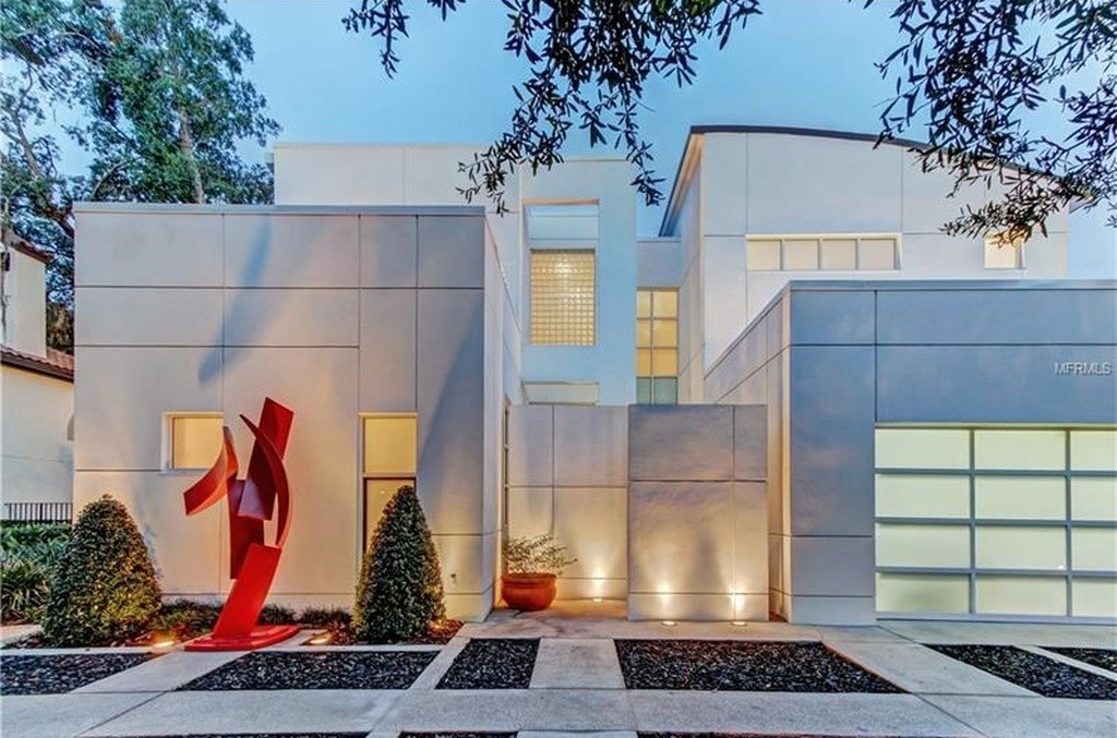 Contemporary appeal seven 1m central florida modern for Modern houses in florida