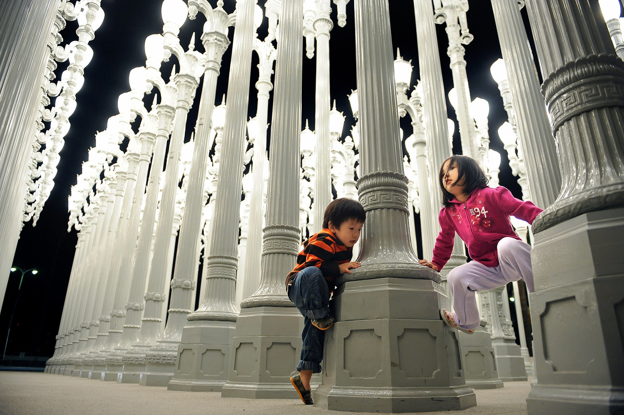 Lacma S Iconic Urban Light To Go Dark For Two Months