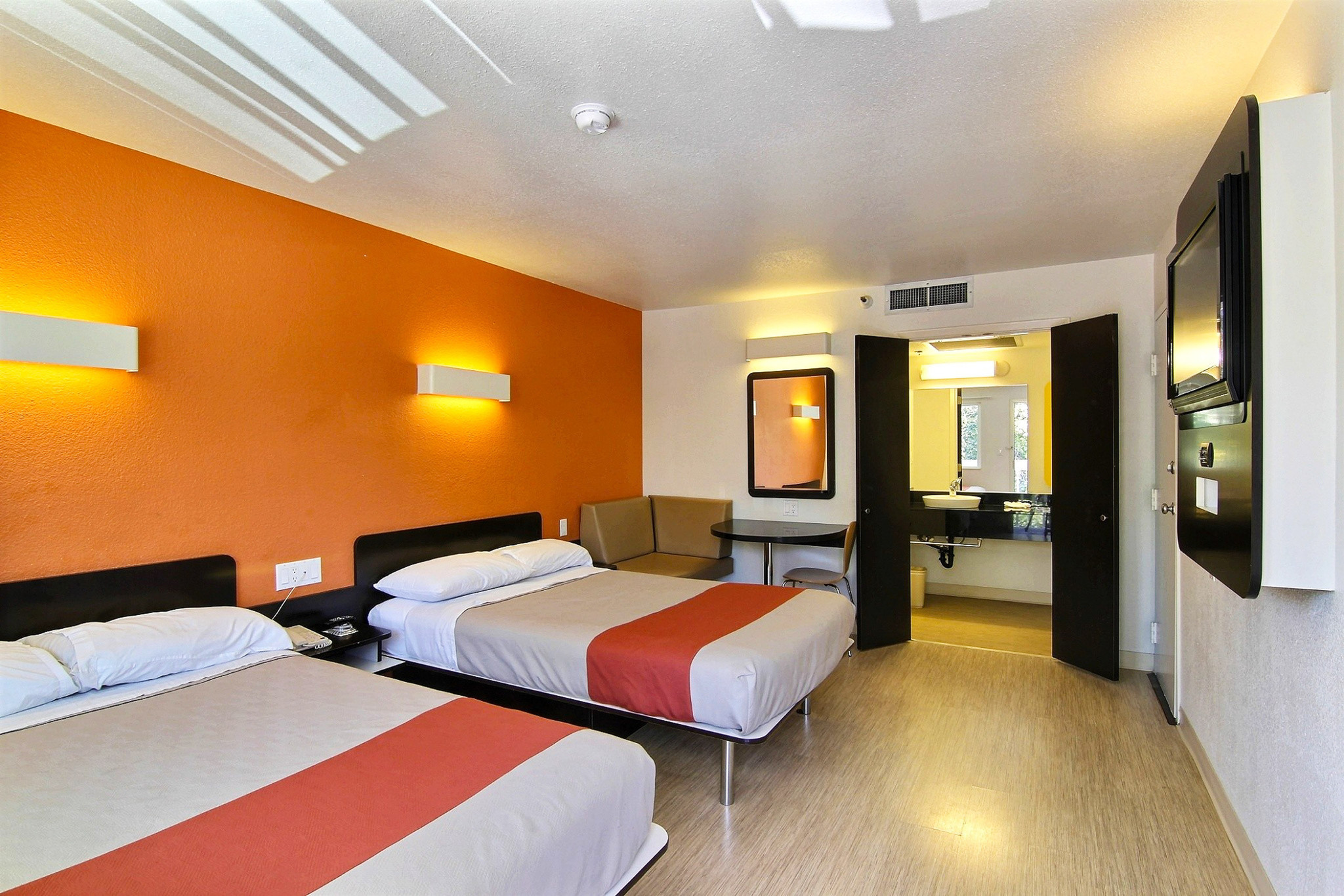 Motel 6 - Compare Motel 6 prices - Book Motel 6 for lessBest Price Guarantee· Free Cancellation· Discounts up to 80%· No Booking FeesDestinations: New York City, Miami Beach, Florida, Las Vegas, Myrtle Beach, Chicago.