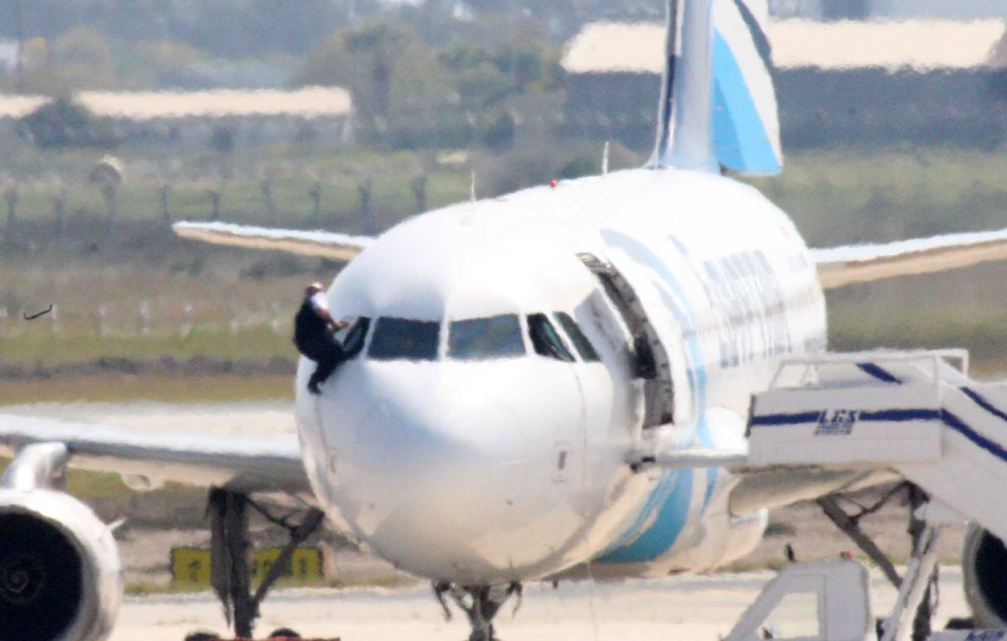 Plane And Pilot >> EgyptAir plane hijacked, diverted to Cyprus, officials say - LA Times