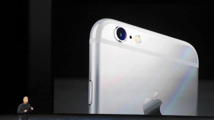 Apple seeks hacking info from FBI