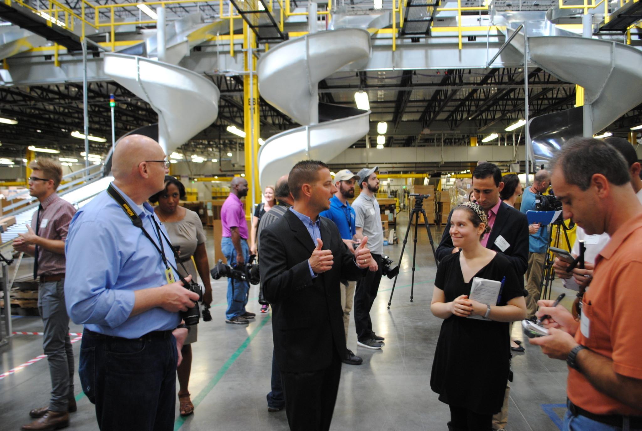 amazon u0026 39 s automated warehouses push limits of quick