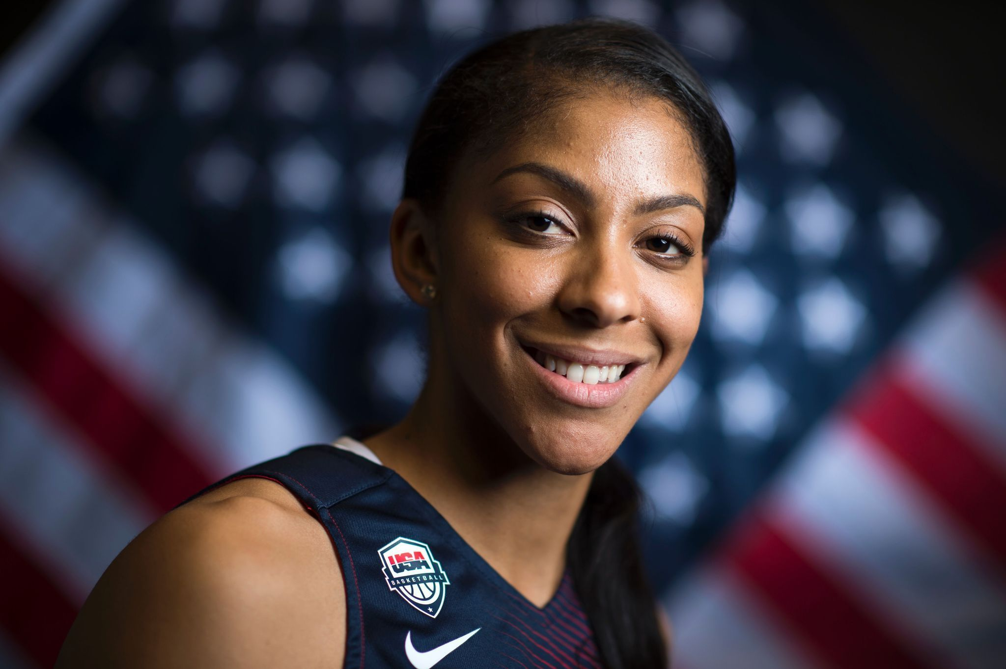 Candace Parker shows rim height just fine, dunk you very ... Candace Parker