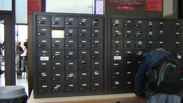 Cook County courthouse removes lockers for cellphones
