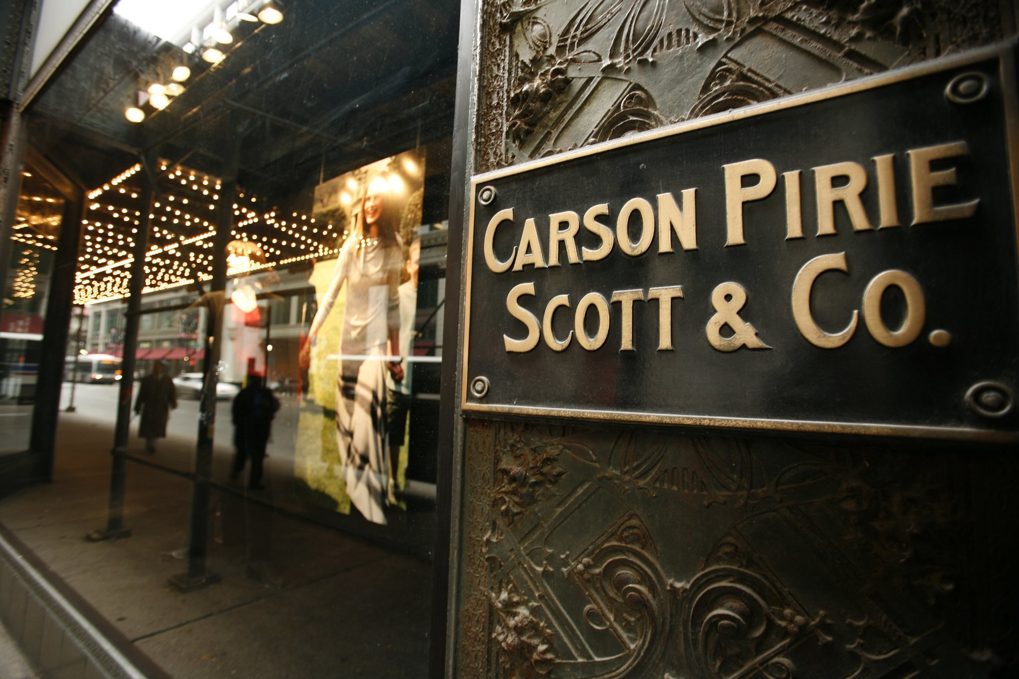 Carson 39 s owner bon ton stores to expand furniture for Department stores that sell furniture