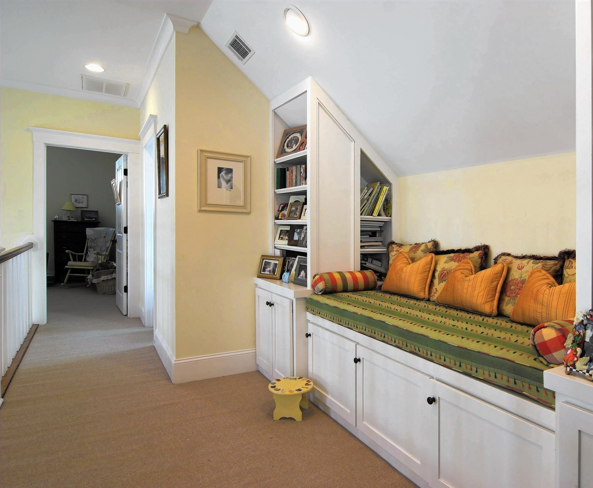 how to create a custom book nook in your home la times