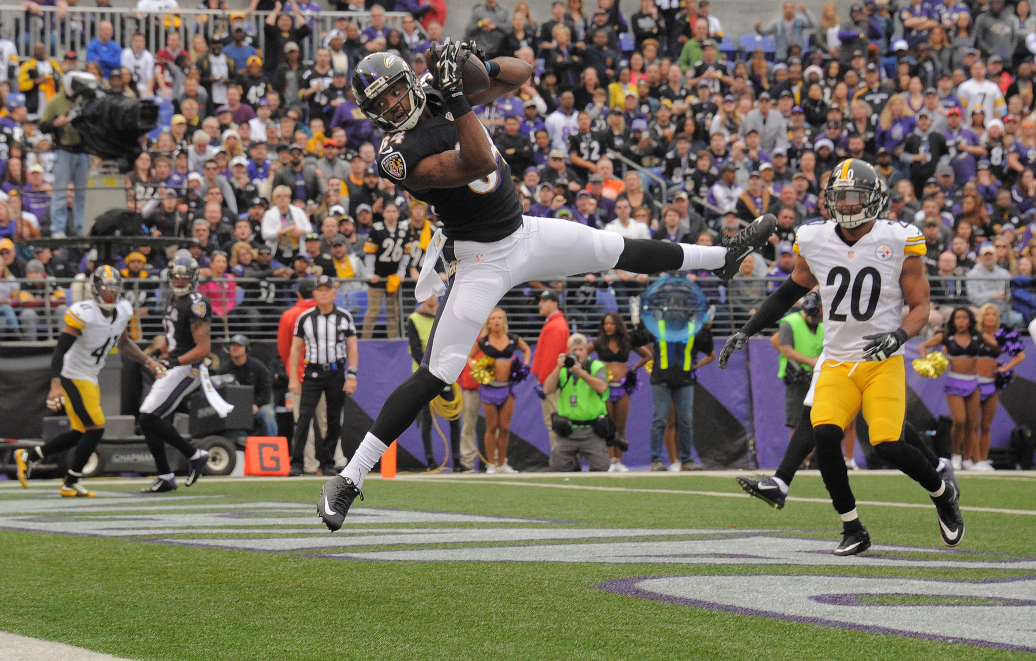 Bal-ravens-wide-receiver-chris-matthews-signs-exclusive-rights-tender-20160407
