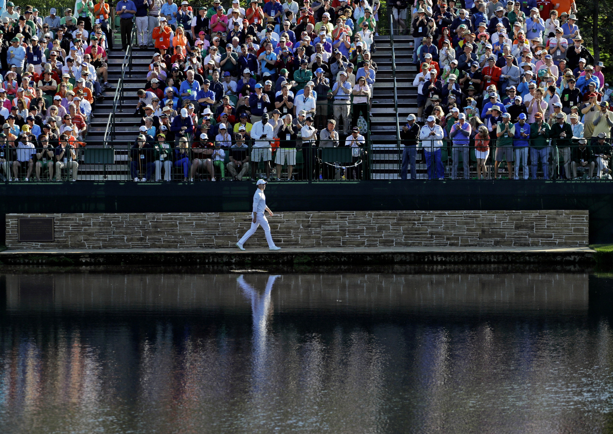 Water fountains masters - Masters Notes After A Great Day Amateur Bryson Dechambeau Falters On The Last Hole La Times