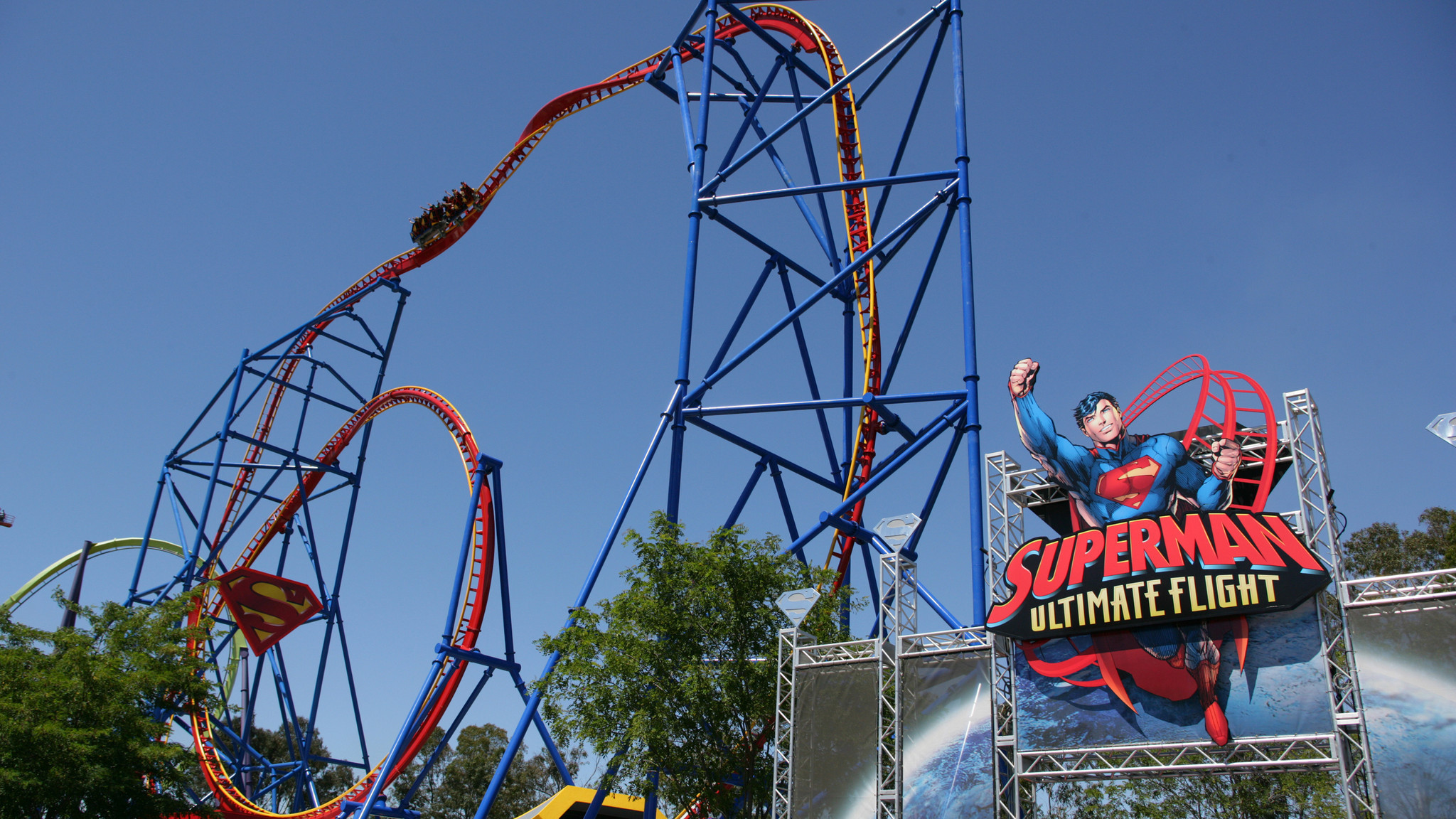 Compact Vertical Coasters Take Thrills To New Heights La Times