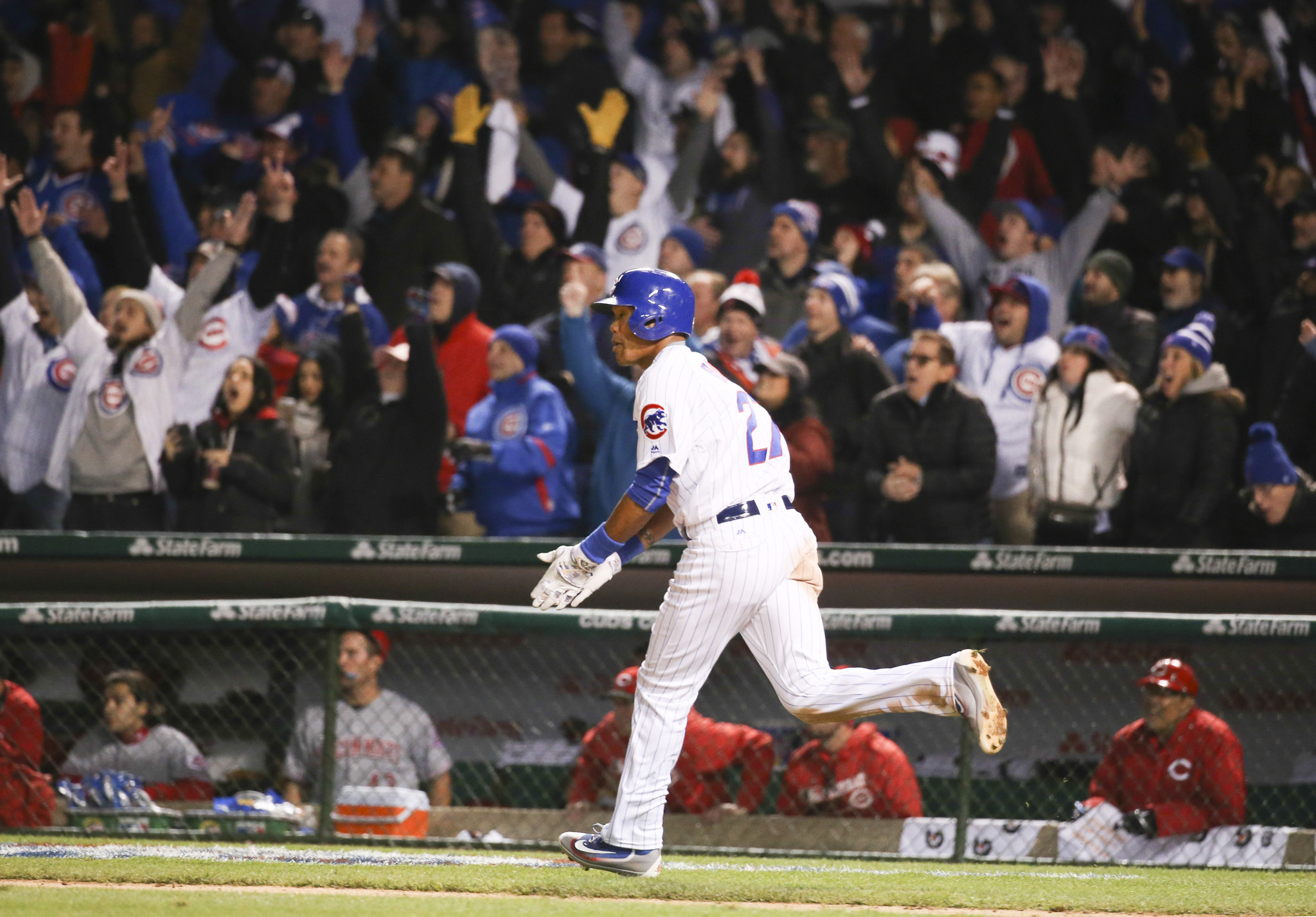 Ct-moments-cubs-home-openers-20160412