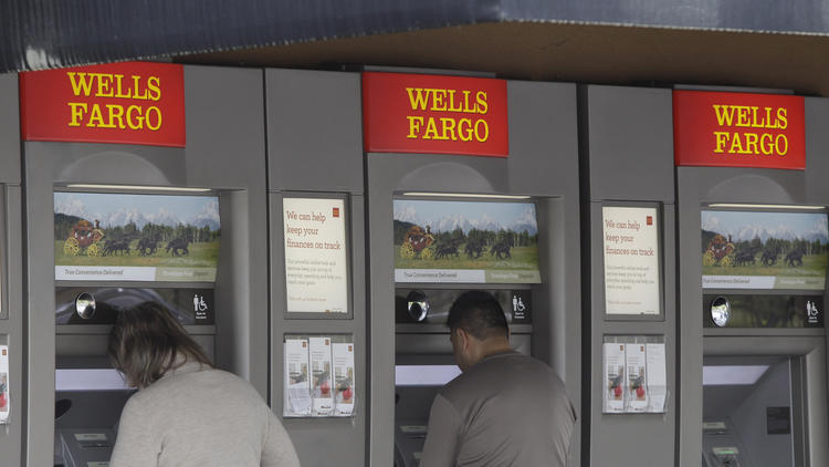 Ohio's Brown grills Wells Fargo CEO