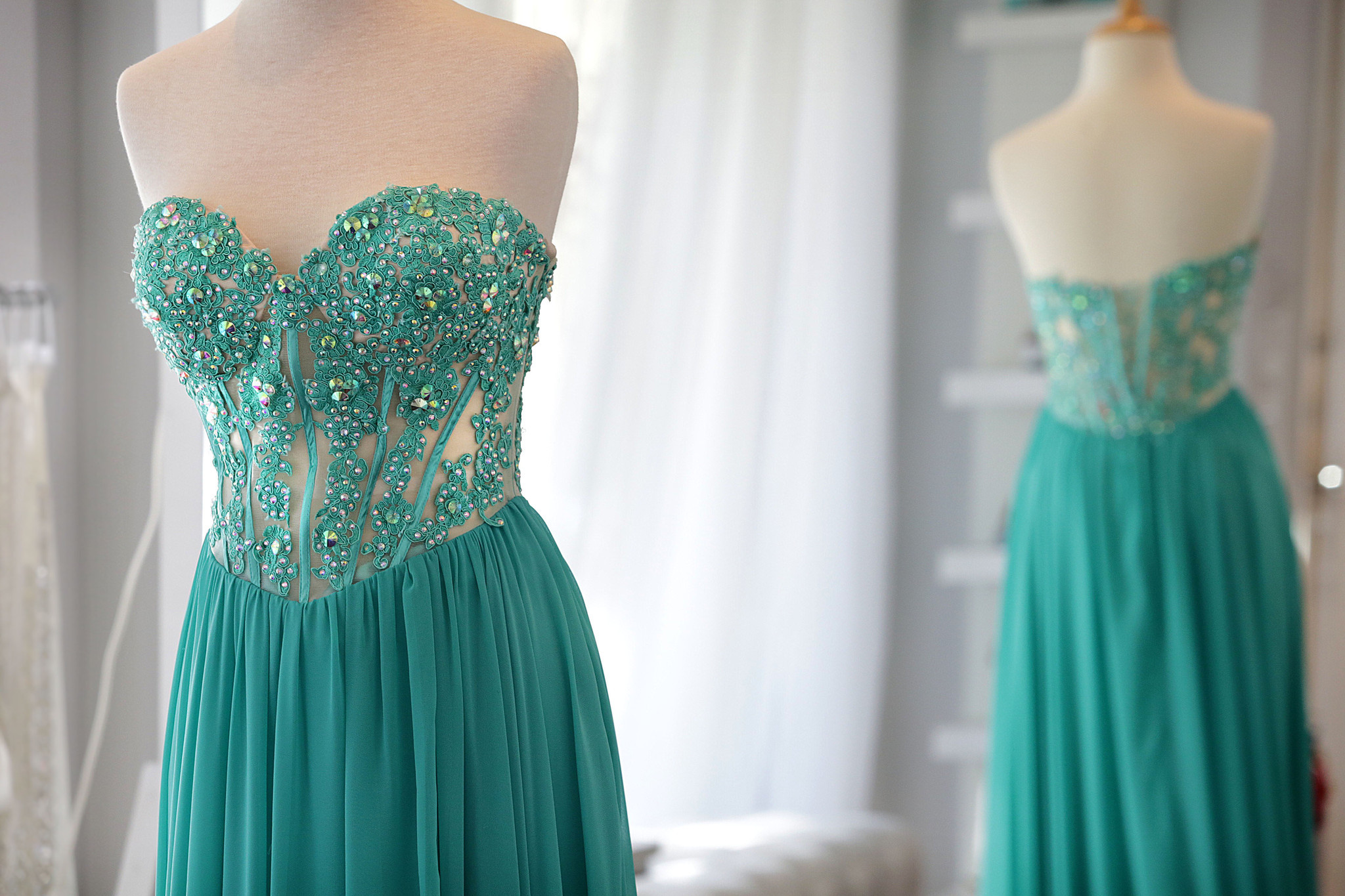 Prom doesn\'t have to cost a fortune: Money-saving tips for a ...