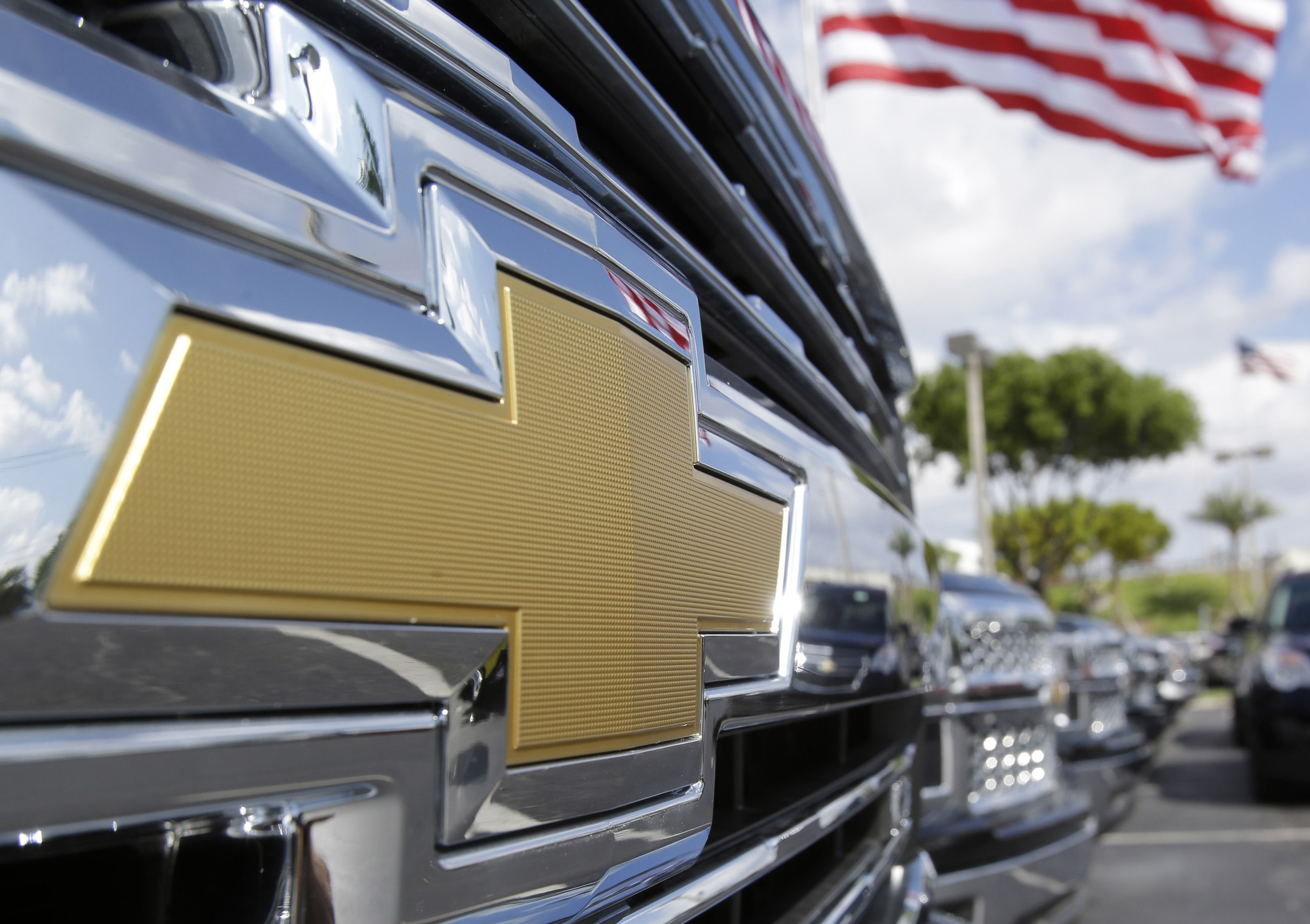 gm to recall over one million pickups for seat belt issue orlando sentinel. Cars Review. Best American Auto & Cars Review