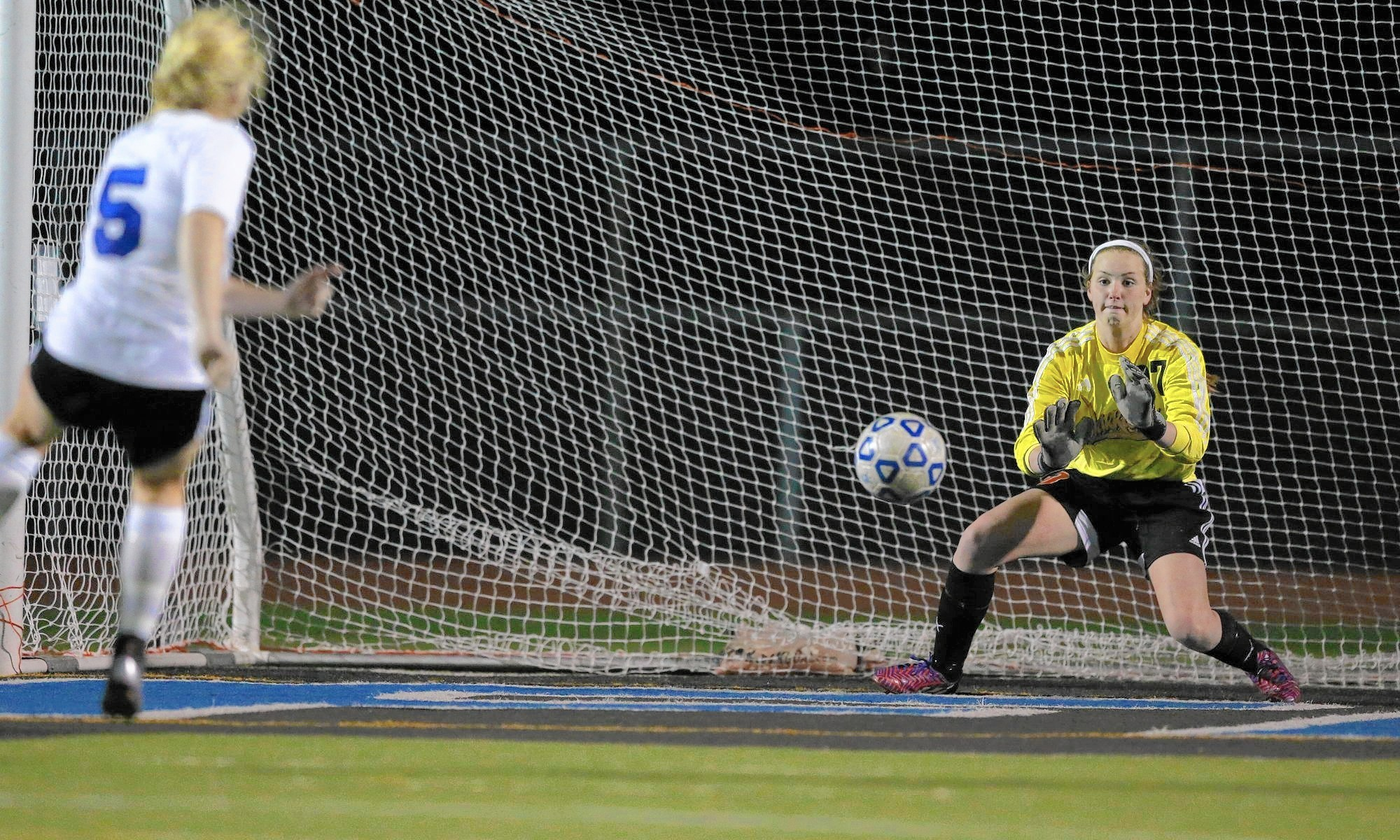 Erin Toomey Makes Huge Save As Lincoln Way West Knocks Off