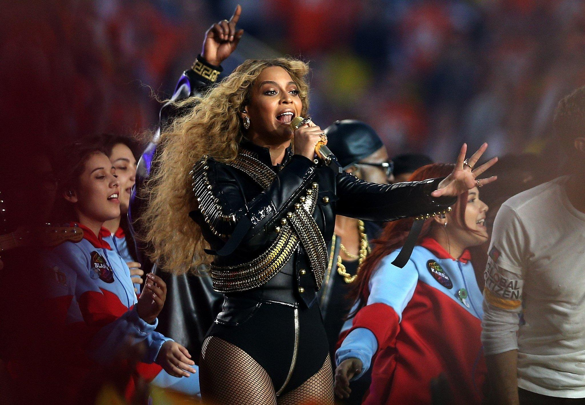 "Beyoncé upends ""Mi Gente"" on a new remix whose proceeds will go to charity. (Patrick Smith / Getty Images)"